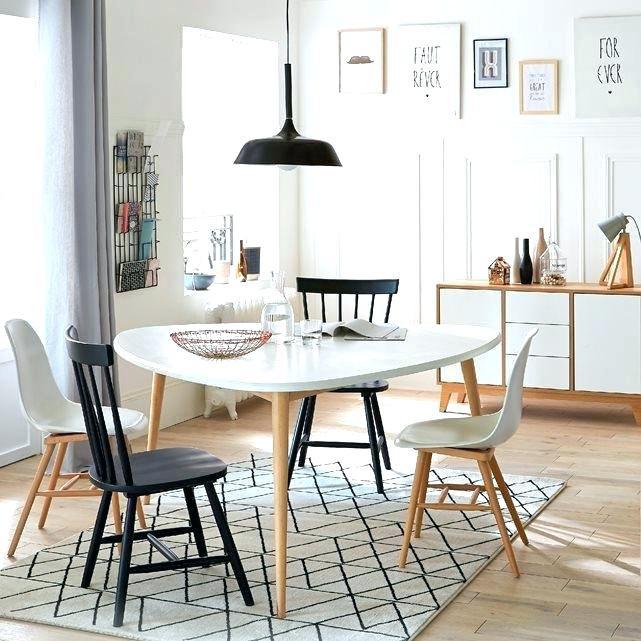 Ensemble table ronde et chaise scandinave