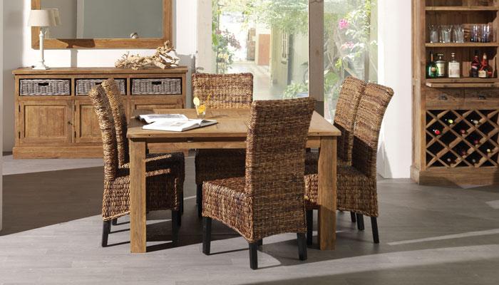 Table carrée salle à manger scandinave