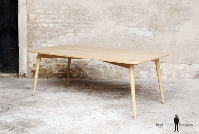 Table diner scandinave