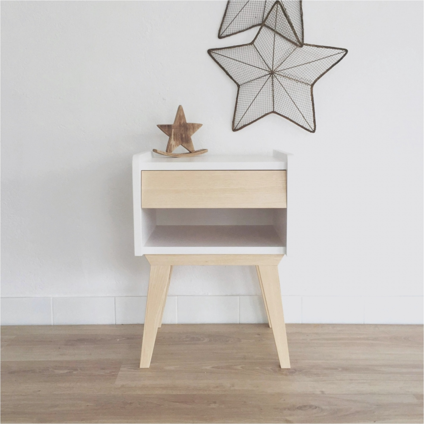 Table nuit scandinave