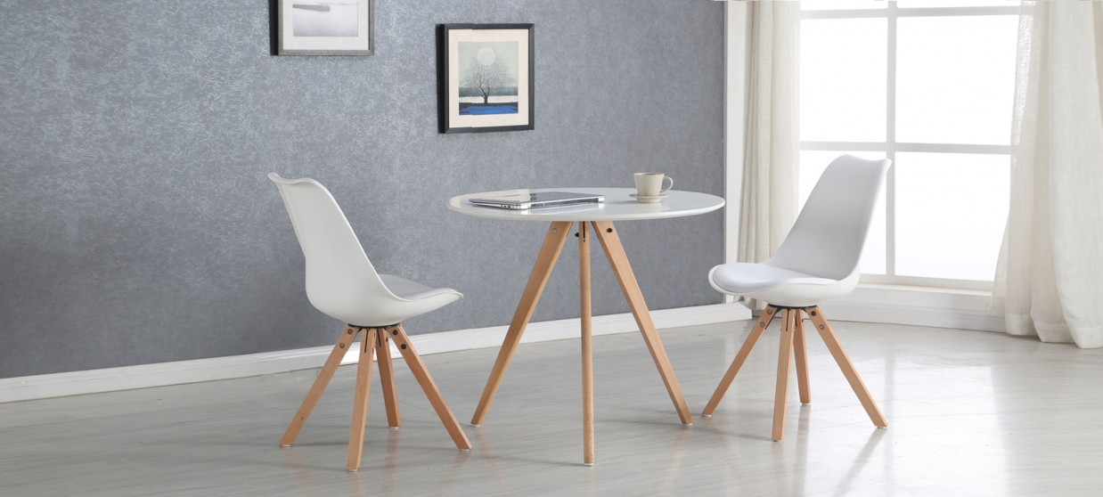 Salle a manger table ronde scandinave