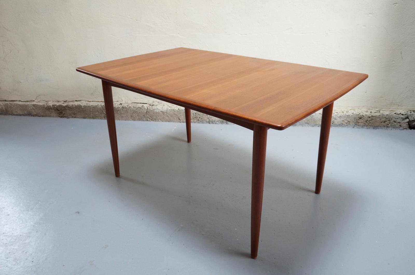 Table vintage design scandinave