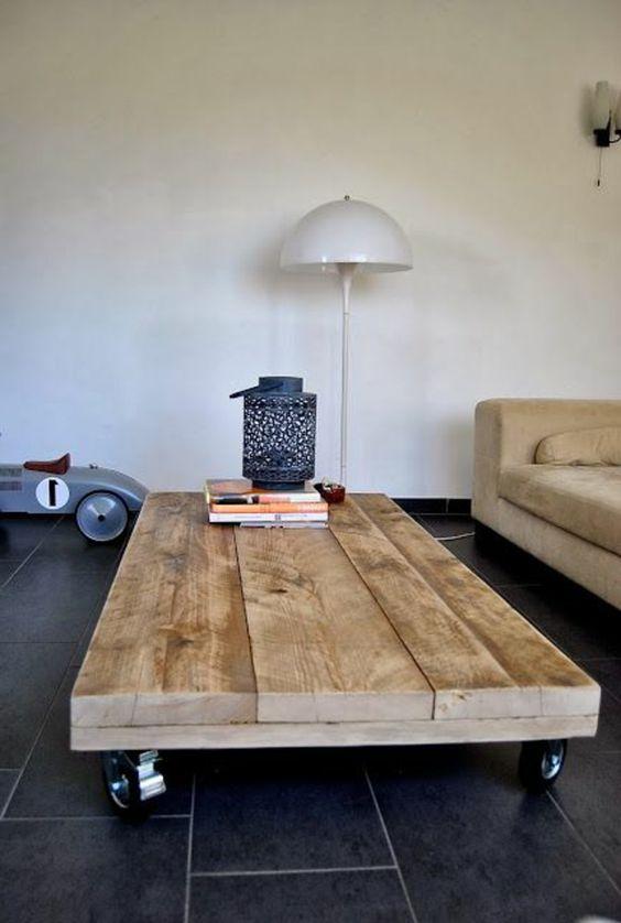 Une palette en bois pour faire une table basse