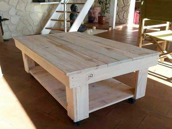 Table basse palette bois clair
