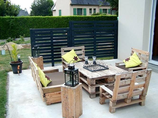 Table basse en palette pour terrasse