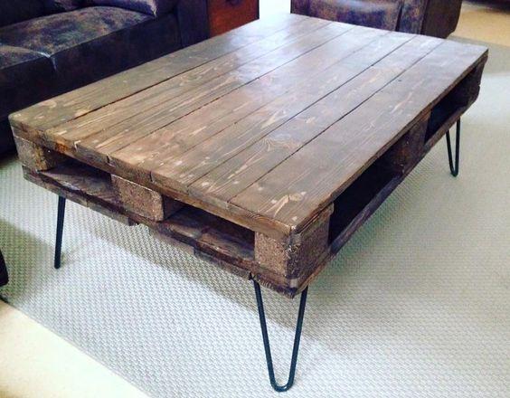 Table basse palette sur pied